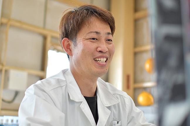 生産管理課 上温湯 拓実(2004年入社)